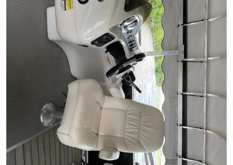 Palm Beach 240 Islander Tri toon
