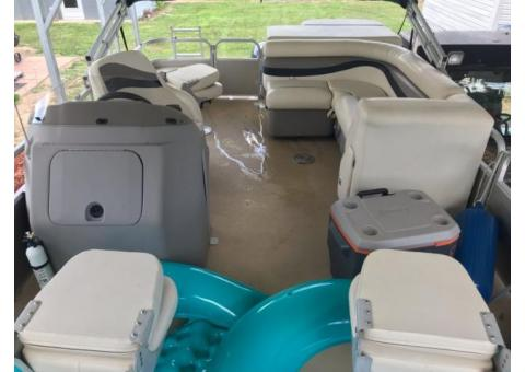 20 Ft Pontoon Boat for sale